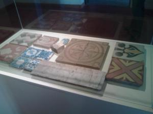 Los mosaicos y azulejos con diseños que posee la casa, fueron traídos por barco desde Europa.